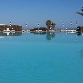 Hotel con piscina a Pantelleria