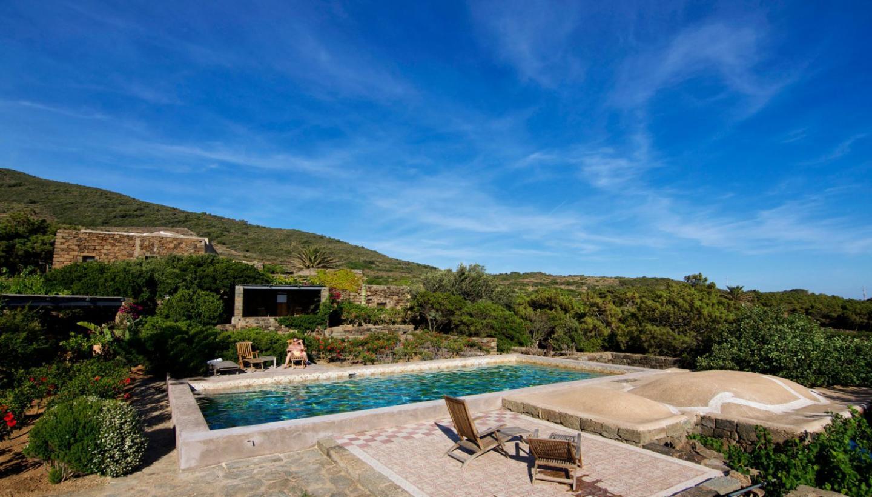 Case Di Pietra Pantelleria : Le case tipiche di pantelleria il dammuso cosa è e come è fatto